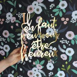 Lettrage plexi miroir or déco mur il en faut peu pour être heureux